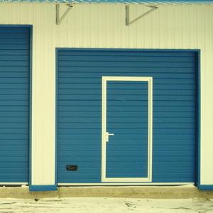 Подъемные автоматические гаражные ворота под ключ