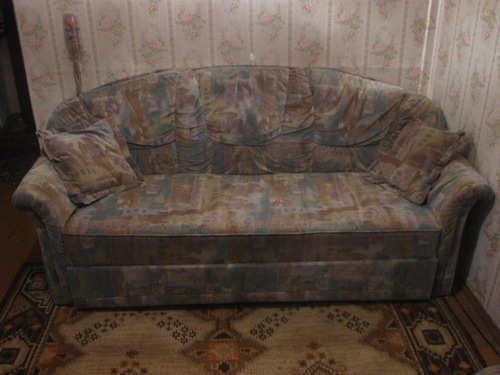 Срочно! продам мягкую мебель б/у 1,5года в отличном состоянии. . Диван-кровать+два кресла-кровати.3